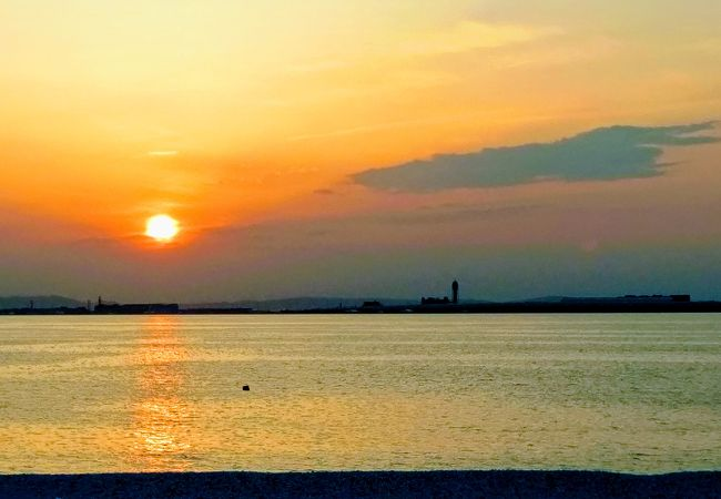 人口ビーチから眺める夕日