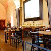 旧市庁舎の地下のレストラン