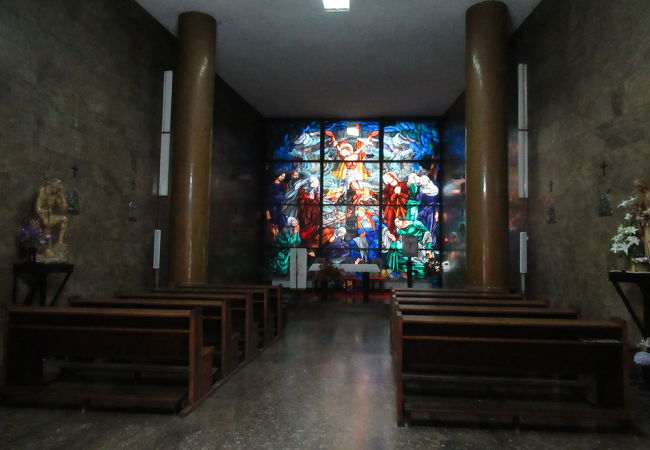 イリツァ通り沿いの教会