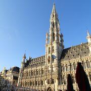 ブリュッセルを代表する観光地です。
