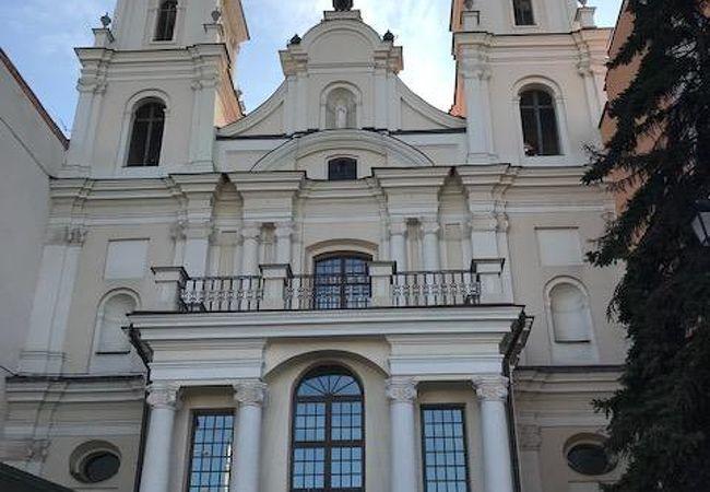 ミンスクの聖霊大聖堂近くのカトリックの教会