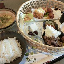 空港で宮崎郷土料理