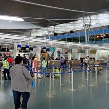 国際線・国内線ターミナルは離れている