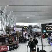 ヨーロッパの空港はこのようなシステム?