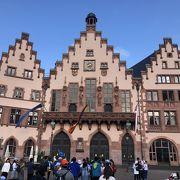 フランクフルト必須の観光地。