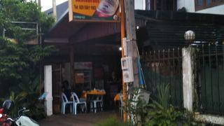 Taj Mahal Halal Restaurant 、隠れた名店?店はあまりきれいではないが、料理は美味しく、値段もリーズナブル。