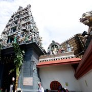 ヒンズー教の寺院 なかなか親しみの持てる神様 仏教の下のバラモン教からわかれた兄弟だ