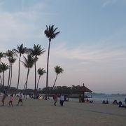 夕暮れ時の景色がキレイなビーチ