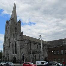 アイルランド最大の教会