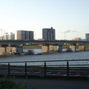宮崎市付近は川幅も広い