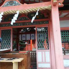 西院駅近くの神社