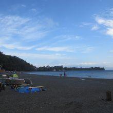 うっすらと富士山が見える