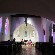 ロマネスク様式の教会