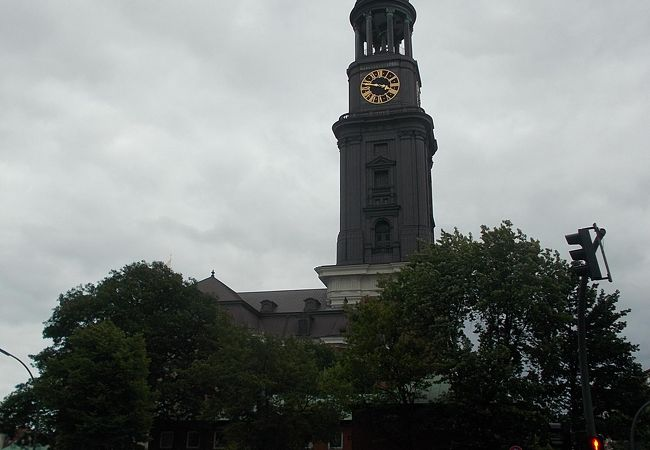 聖ミヒャエル教会と周辺