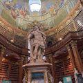 写真:オーストリア国立図書館 (プルンクザール)