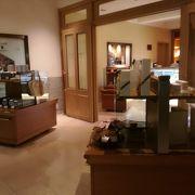 ペニンシュラホテルのカフェ&レストラン