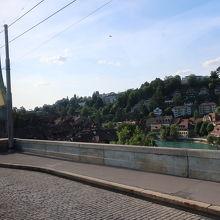 ニーデック橋