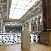 第一水曜日の午後1時から王立美術館が無料になるというので行ってみました