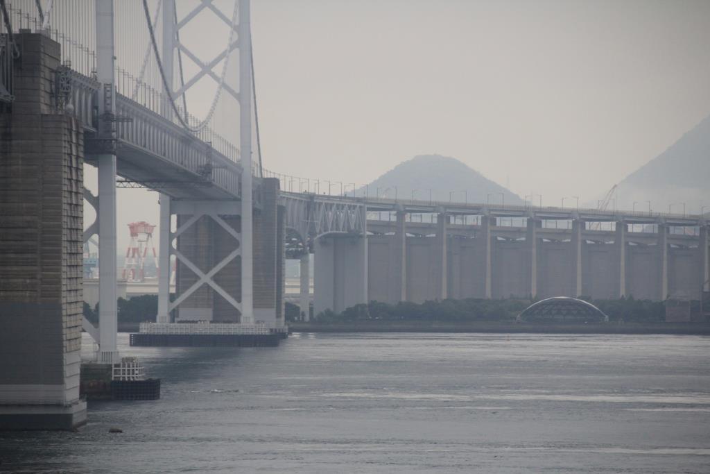 瀬戸大橋の中間にあるパーキングエリアです