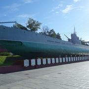 陸に上がった潜水艦