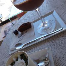 ショコラグラッセとアイスクリーム
