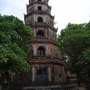 珍しい八角形の七重の塔