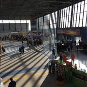 近代的な空港ですが