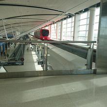 デトロイト メトロポリタン ウェイン カウンティ空港 (DTW)