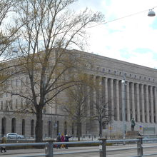 国会議事堂(エドゥスクンタ)