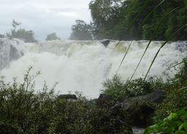 タートロの滝