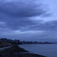 段々夕闇が濃くなってきました