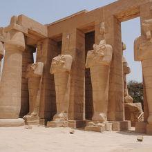 ラメセウム(ラムセス2世葬祭殿)