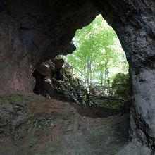 シュプリャラ洞窟