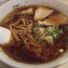 ワンタン麺醤油味