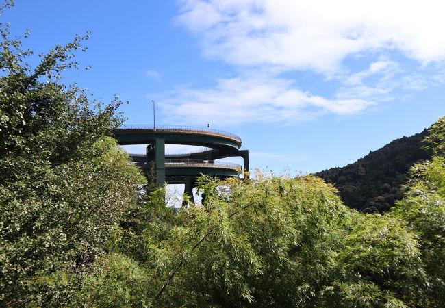 河津七滝ループ橋(七滝高架橋)