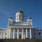 白亜の美しい大聖堂
