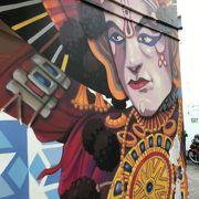 リトルインディアの街の壁画