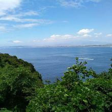 江の島二丁目からの藤沢方面と富士山の風景