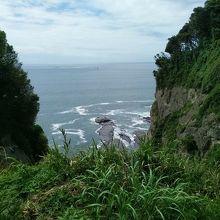 参拝途中に海の景色も見えます