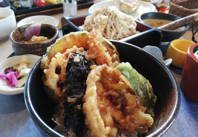 レストラン三宝 白根店
