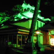 岡崎城の脇に鎮座する真新しい神社