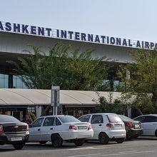 首都の空港としては小規模