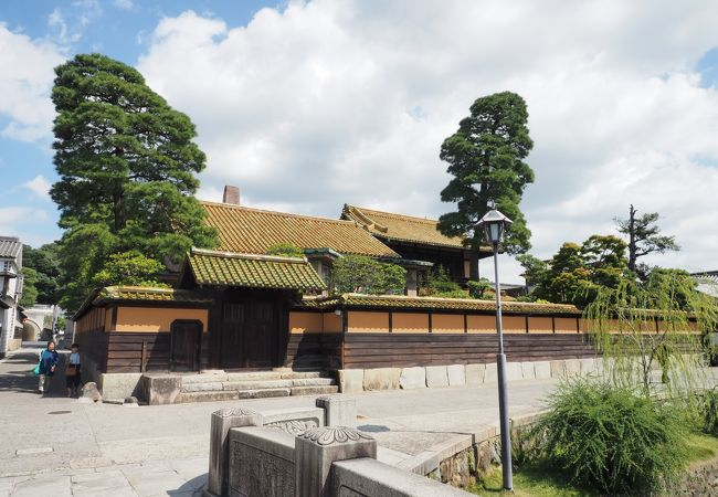 緑御殿と呼ばれる大原家の旧別邸は年に2回公開されます