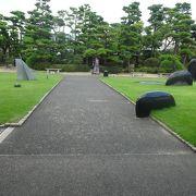 大原美術館のお庭です。
