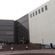 神奈川県立の文化ホール