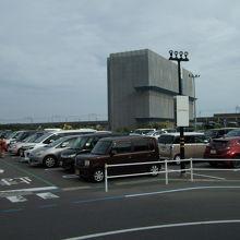 駐車場も広い