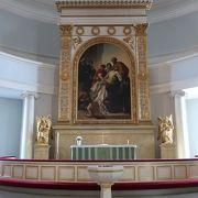 ギリシャ十字型のフィンランド最大宗派の大聖堂 ♪