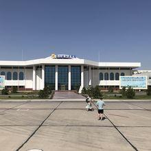 ブハラ空港