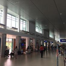 見るからローカルな感じの空港です