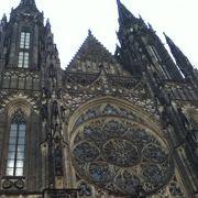 プラハ城内にある大聖堂